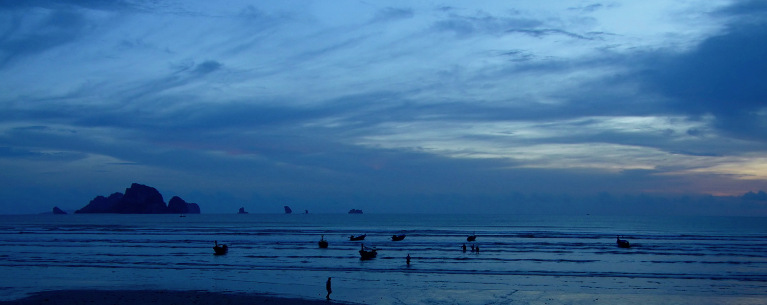 Slide3 - beach at dawn